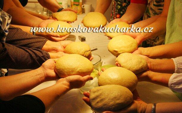 Pečeme v páru: chleba z přírodního kvásku s Janou Berkovou