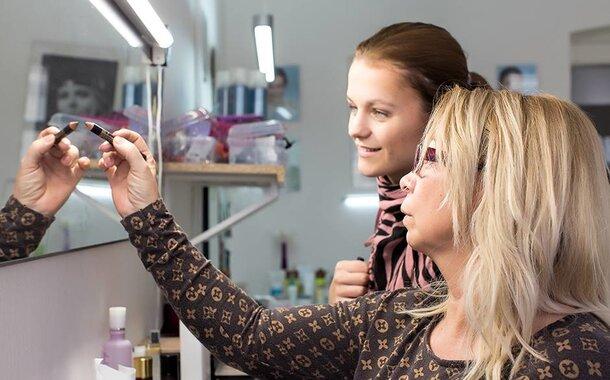 Celodenní sobotní kurz líčení a vlasového stylingu v Praze