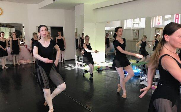 Základy baletu - klasického tance pro začátečníky, balíček 10 lekcí (10 x 90 minut)