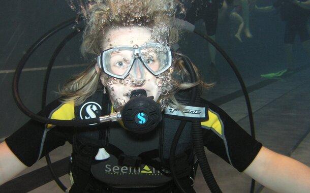 Ponor na zkoušku v Brně - pětihodinový LUXUSNÍ VIP kurz potápění včetně fotografií
